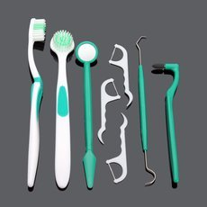 8pcs Professional Oral Care Dental Care Coated Toungue Teeth Cleaning Tools Set Green & White