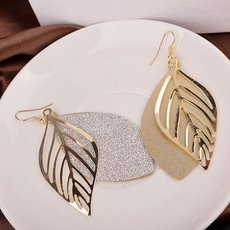 DES137 High-quality Casual Hollowed-out Leaf Shape Frosted Alloy Earrings Golden