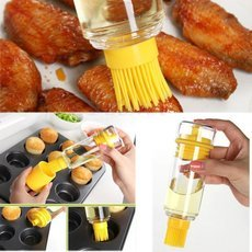 Creative Dual-purpose High-temperature Resistance Portable Silicone Brush with Oil Bottle for Outdoor BBQ Yellow